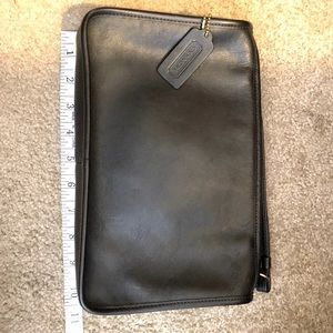 Vintage Coach Black Leather Clutch/Crossbody